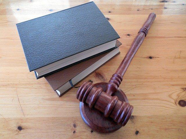 radca prawny ile zarabia